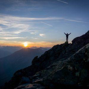 trekking alpi vette montagne 3000 metri rocciamelone tramonto escursione